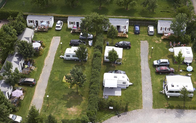Camping Oase Praha - pitches 1-12 and mobilhomes 13-19