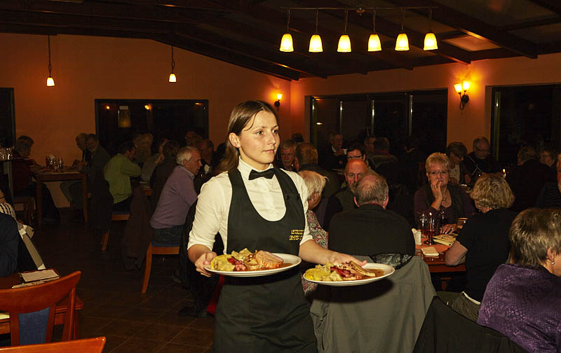 Restaurant - waitress