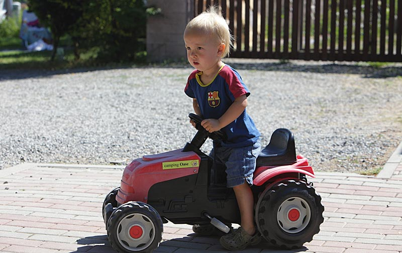 Little whell tractors for children