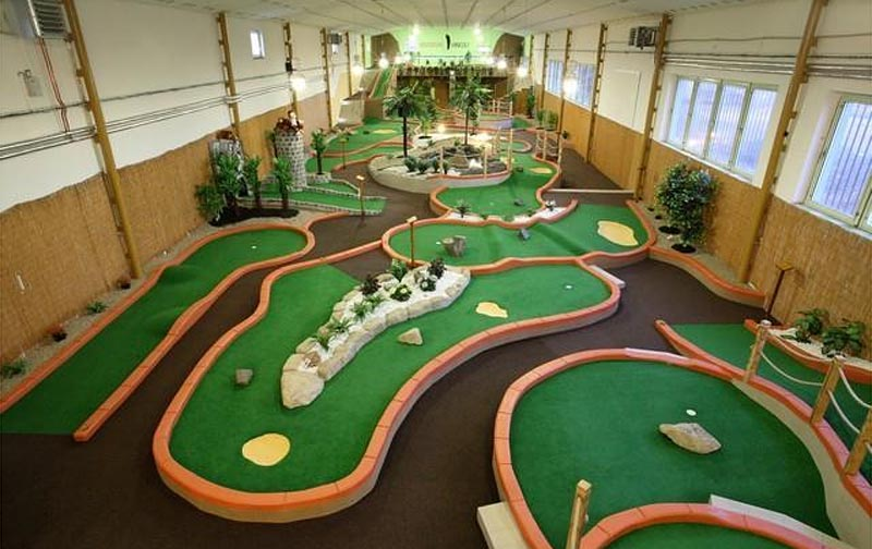 31 - Adventure mini-golf - indoor mini golf (7 km)
