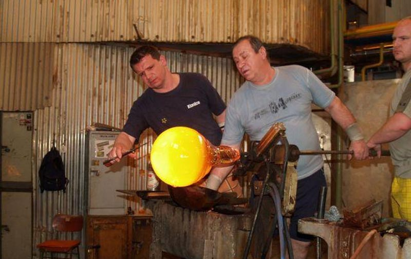 44 - Nižbor Rück Glassworks - come and see how a Bohemia crystal arises (47 km)